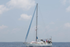 Sailing to Dhapparuhuraa
